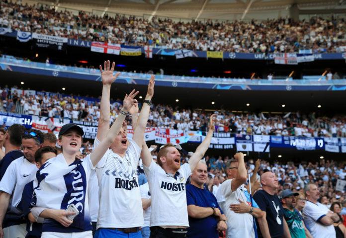 Tottenham Fans Supporters